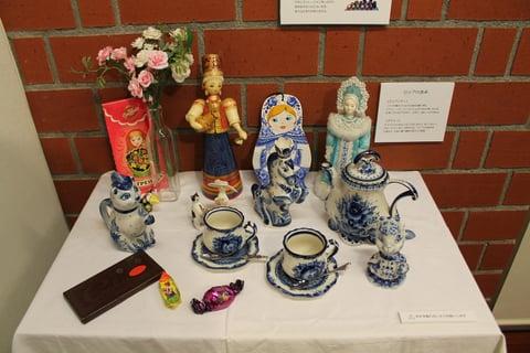 会場にはロシアの文化や工芸品を紹介するコーナーも。
